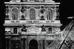 Palais du Louvre by night